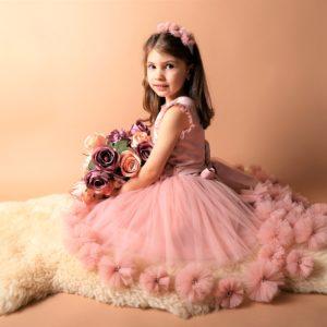 Rochita eleganta pentru evenimente speciale. Culori: roz, Ivoire. Marimi 0-7 ani