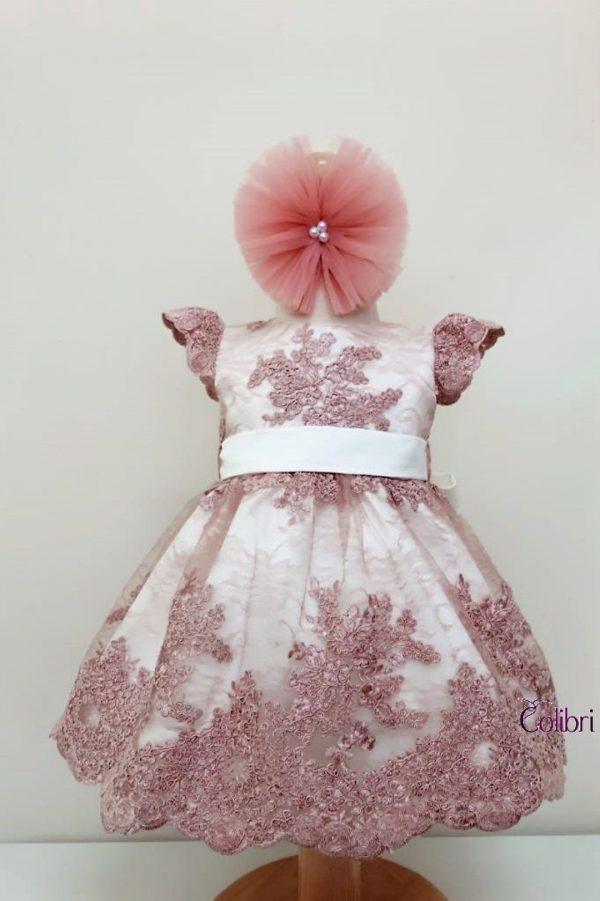 Rochita din dantela roz pe baza ivoire